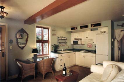 Hartley House Vacation Rental - The Garden Suite - kitchen